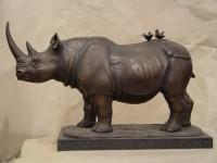 Г.Г.Алксанян. Носорог. 2003 г. Бронза. 24Х40Х12 см.