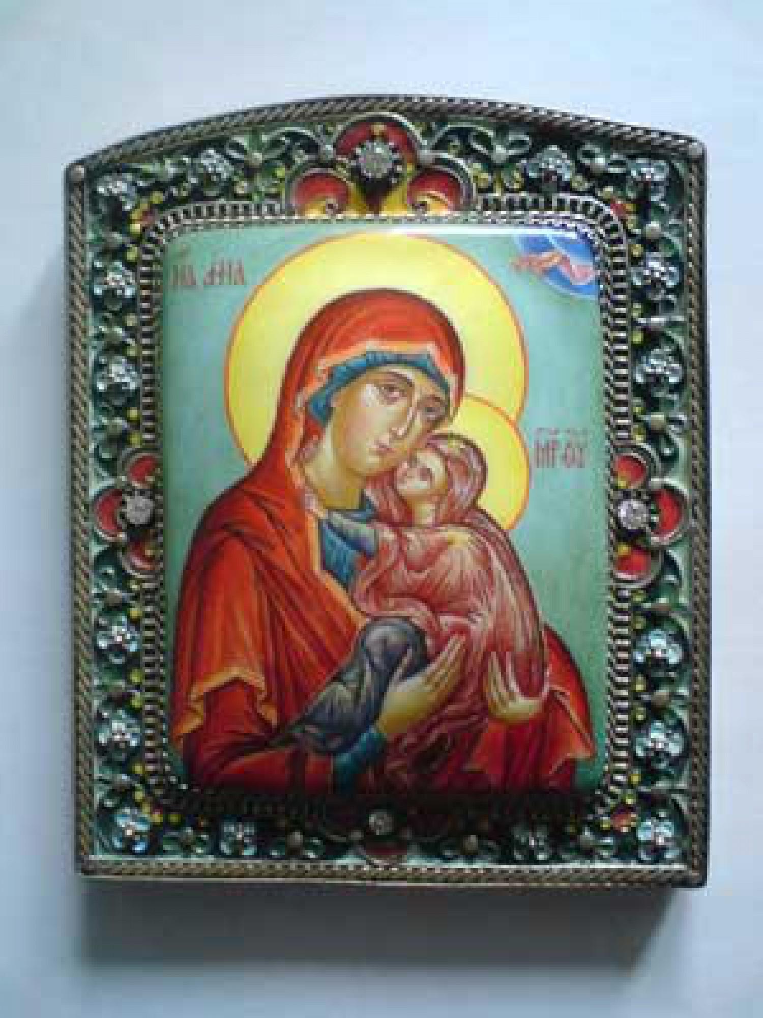 Е.В.Смирнова. Святая Анна с младенцем Марией. 2006. 11х13,5 см. Медь, живопись по эмали, эмаль по скани, оксидирование.