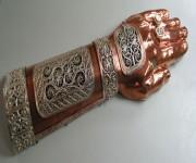 А.С.Серов. Ковчег-мощевик. 2004. 350х105 мм. Медь, серебрение.