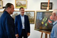 Мэр Ярославля Владимир Волков посетил выставочный зал Союза художников