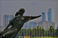 В КНР установлена скульптурная композиция «Волга» работы Елены Пасхиной
